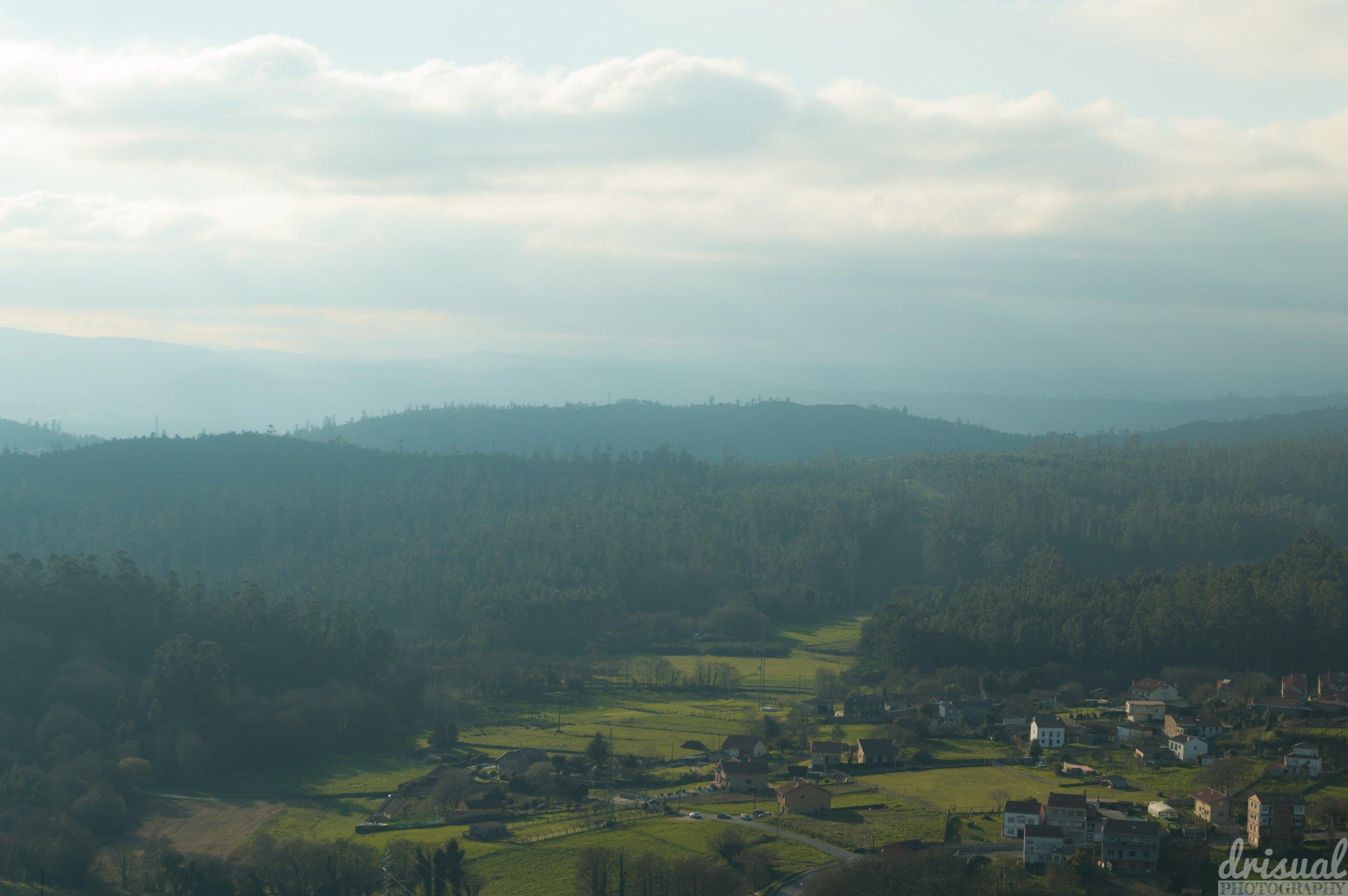 Vistas a un pueblo desde el Pedroso