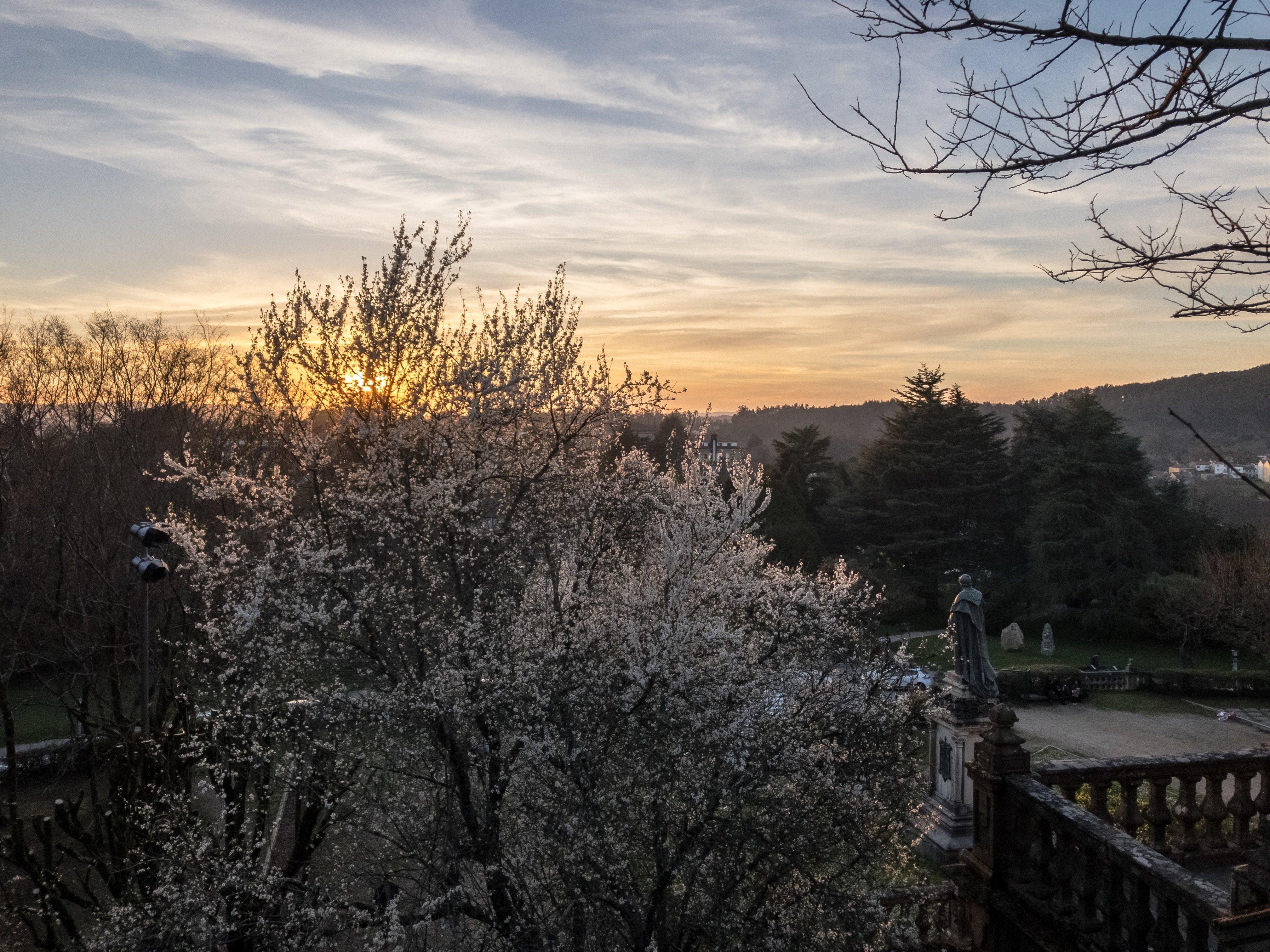 Atardecer en Santiago de Compostela al inicio de la primavera