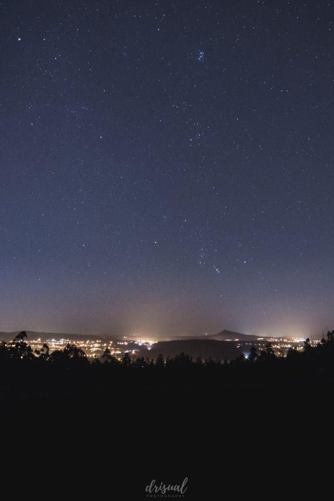 estrellas sobre el pico sacro