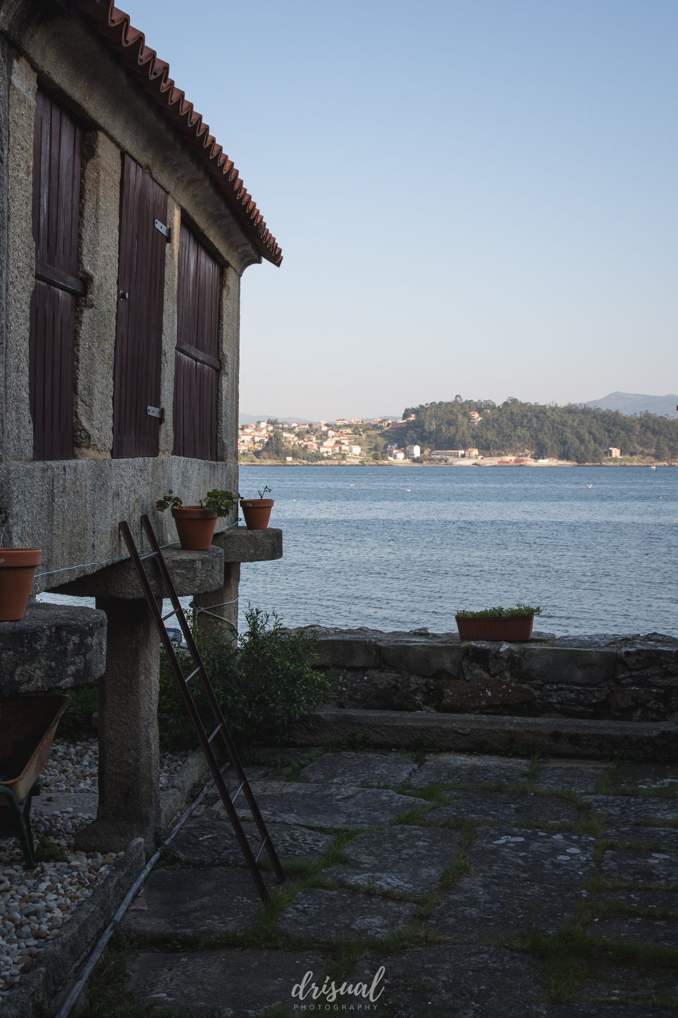 combarro, horreo con vistas al mar